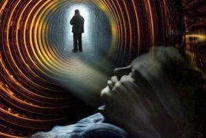 научное исследование загробной жизни ученым, который сам пережил смерть